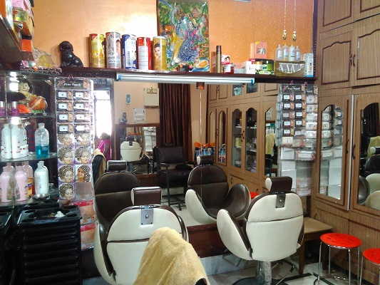 annu-beauty-parlour-fully-ac